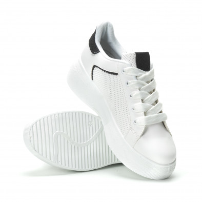 Γυναικεία λευκά sneakers  με λεπτομέρειες από μαύρη χρυσόσκονη it250119-81 4