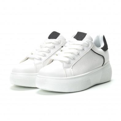 Γυναικεία λευκά sneakers  με λεπτομέρειες από μαύρη χρυσόσκονη it250119-81 3