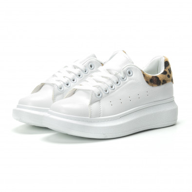 Γυναικεία λευκά sneakers με λεοπάρ λεπτομέρεια it250119-94 3