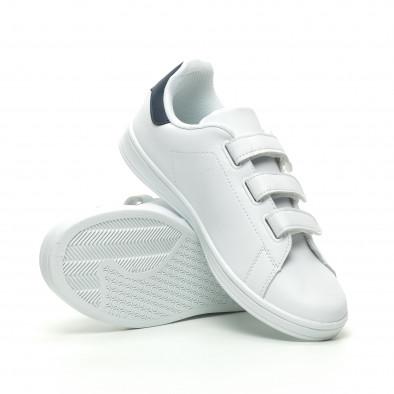 Ανδρικά λευκά sneakers με μπλε λεπτομέρεια και αυτοκόλλητα it230519-15 4