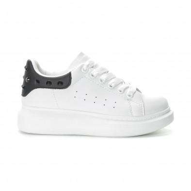 Γυναικεία λευκά sneakers με μαύρη λεπτομέρεια και τρουκς it270219-11 2