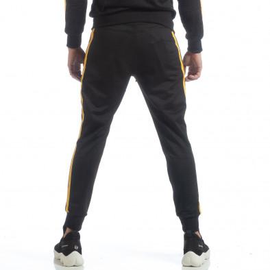 Ανδρική μαύρη φόρμα Biker με κίτρινη ρίγα it040219-67 4
