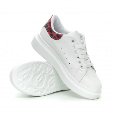 Γυναικεία λευκά sneakers με ροζ animal λεπτομέρεια it150319-47 4