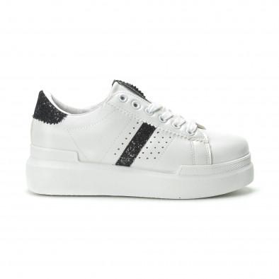 Γυναικεία λευκά sneakers με διακοσμητικές λεπτομέρειες it250119-47 2