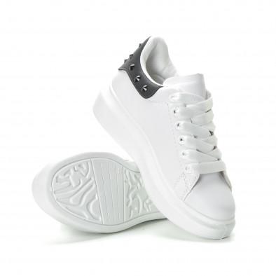 Γυναικεία λευκά sneakers με μαύρη λεπτομέρεια και τρουκς it270219-11 4