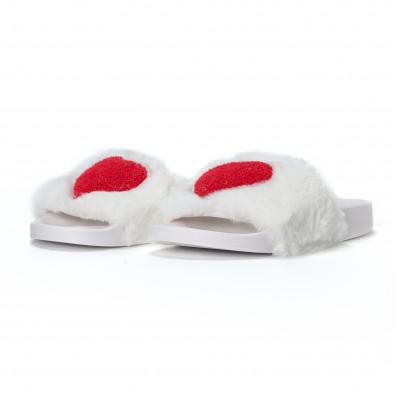 Γυναικείες λευκές χνουδωτές παντόφλες με καρδιά it230418-52 3
