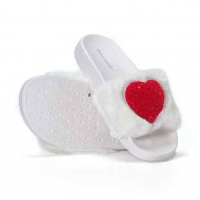 Γυναικείες λευκές χνουδωτές παντόφλες με καρδιά it230418-52 4