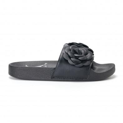 Γυναικείες μαύρες παντόφλες με διακοσμητικά λουλούδια it230418-21 2
