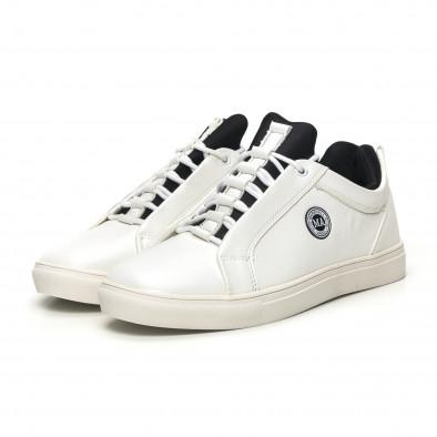 Ανδρικά λευκά sneakers με μαύρη λεπτομέρεια it051219-6 3