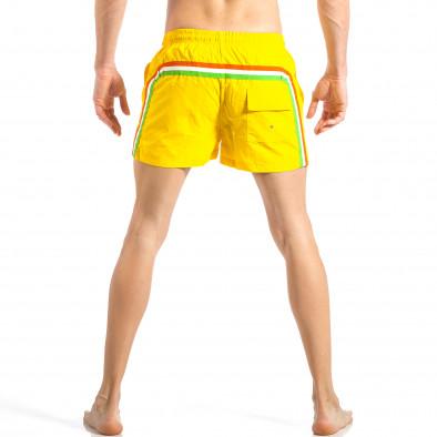 Ανδρικό κίτρινο μαγιό με ρίγες σε τρία χρώματα it040518-93 4