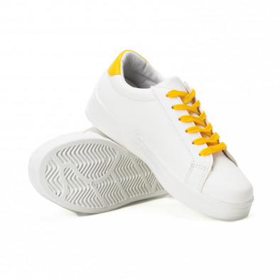 Γυναικεία λευκά sneakers με κίτρινα κορδόνια και κόκκινες λεπτομέρειες it150818-60 4