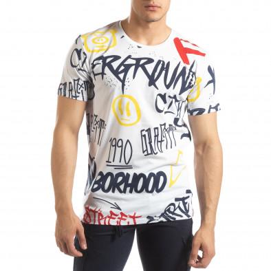 Ανδρική λευκή κοντομάνικη μπλούζα με γκράφιτι it150419-64 2