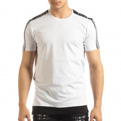 Ανδρική λευκή κοντομάνικη μπλούζα με μαύρες λεπτομέρειες it150419-84 3