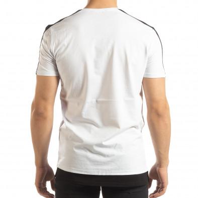 Ανδρική λευκή κοντομάνικη μπλούζα με μαύρες λεπτομέρειες it150419-84 4