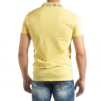 Ανδρική κίτρινη πόλο με πριντ στο γιακά it150419-99 3