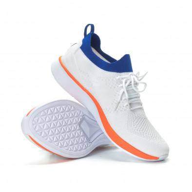 Ανδρικά λευκά αθλητικά παπούτσια με λεπτομέρειες σε μπλε και πορτοκαλί it190219-4 4