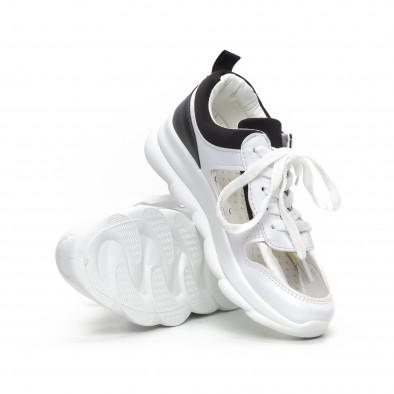 Γυναικεία αθλητικά παπούτσια με διαφάνιες σε λευκό και μαύρο it240419-56 4