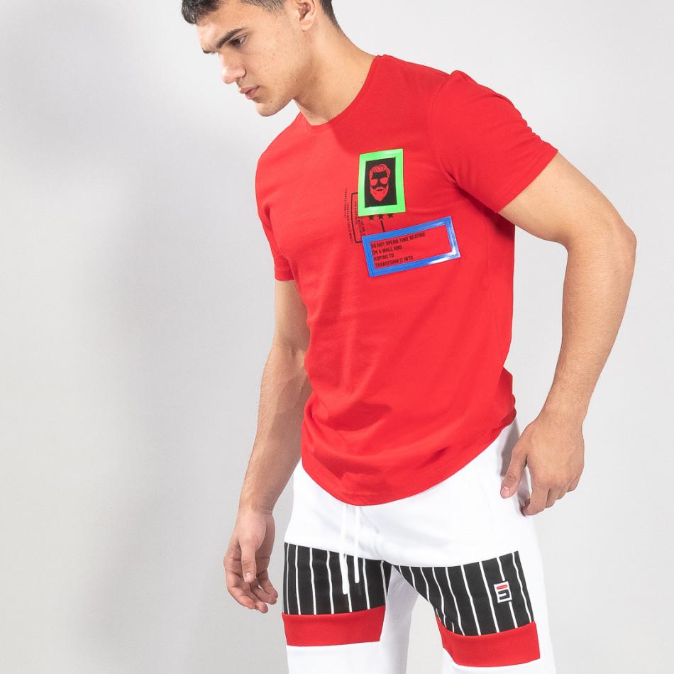 Ανδρική κόκκινη κοντομάνικη μπλούζα με διακοσμητικά απλικέ it150419-70