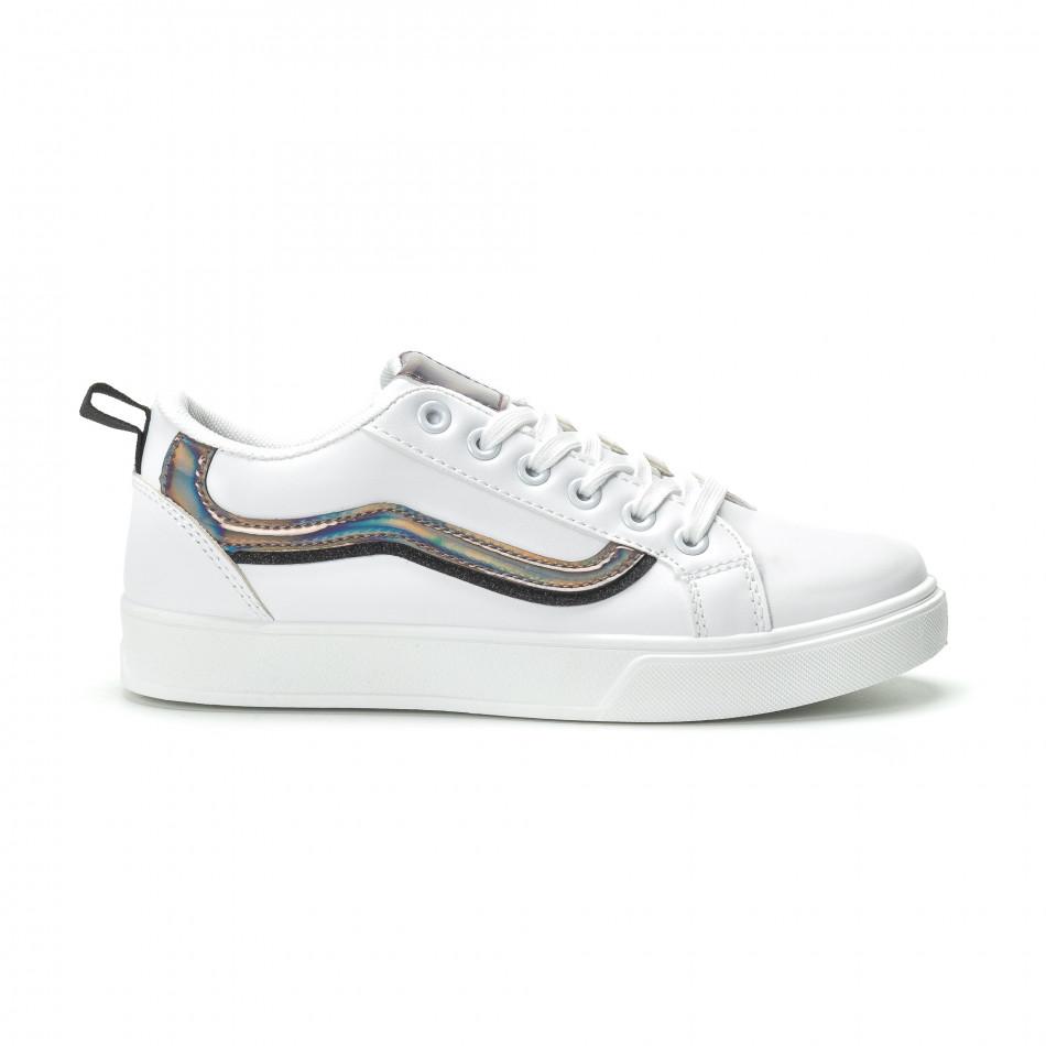Γυναικεία λευκά sneakers με γυαλιστερή λεπτομέρεια it250119-97