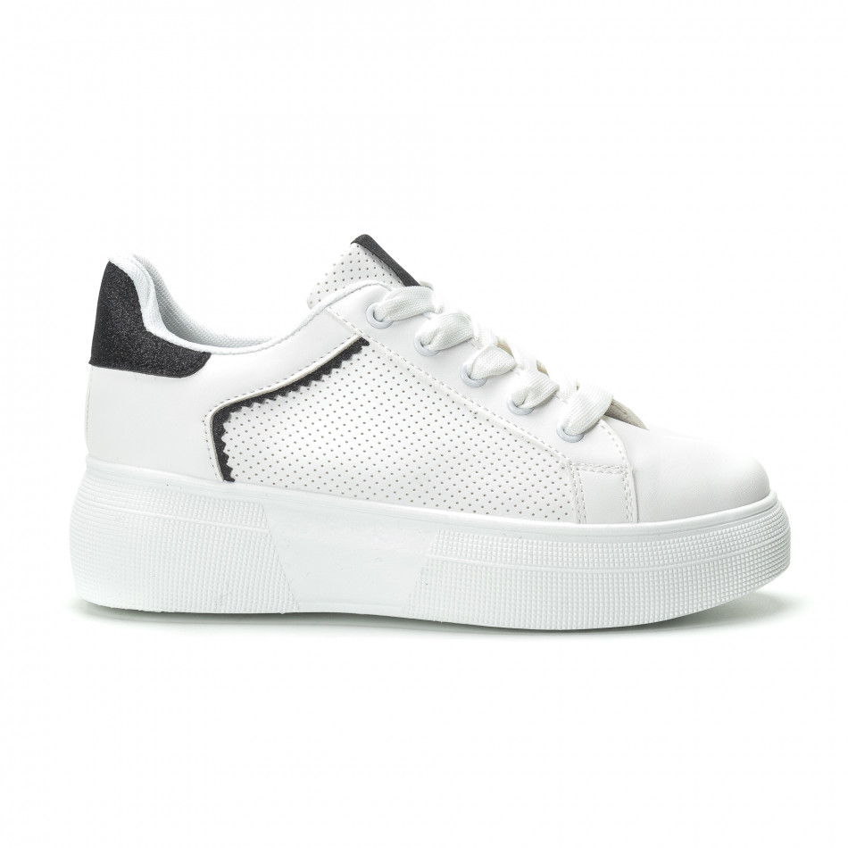 Γυναικεία λευκά sneakers  με λεπτομέρειες από μαύρη χρυσόσκονη it250119-81