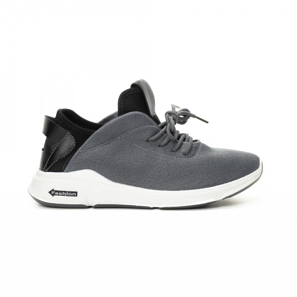 Ανδρικά αθλητικά παπούτσια σε γκρι και μαύρο από συνδυασμό υφασμάτων it221018-38