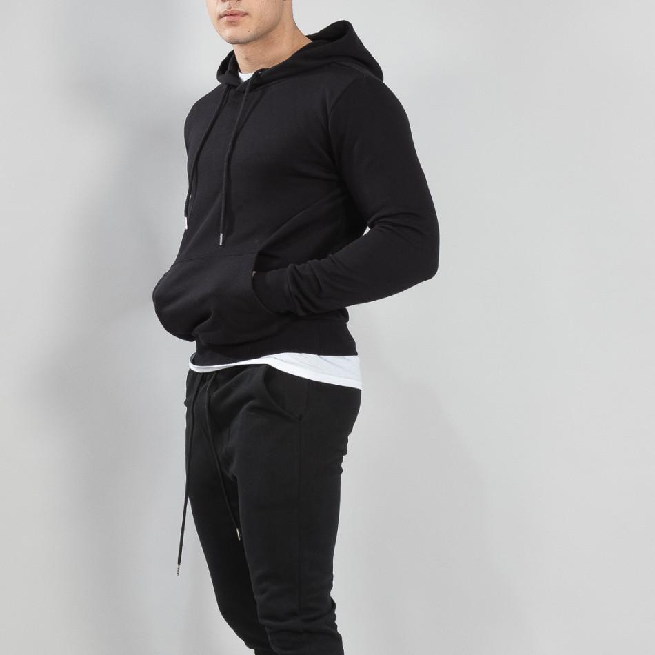 Ανδρικό μαύρο φούτερ Basic με τσέπη καγκουρό it150419-44