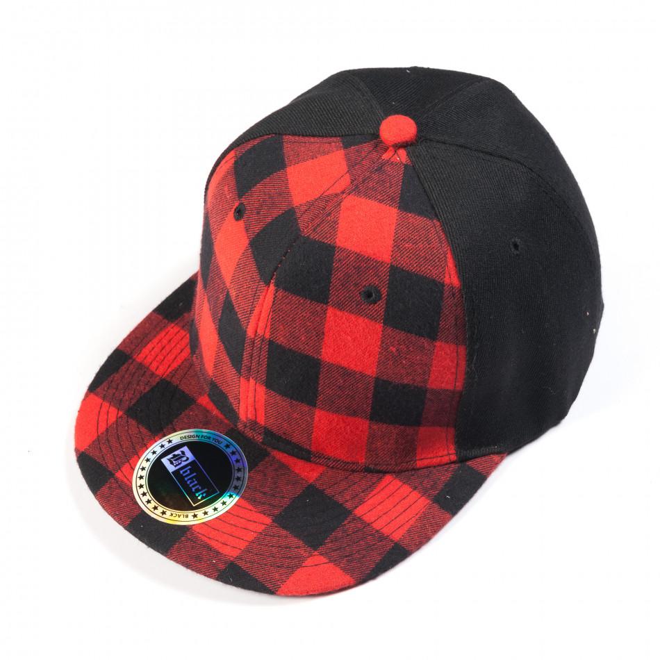 Ανδρικό μαύρο καπέλο με κόκκινο καρέ it050618-74
