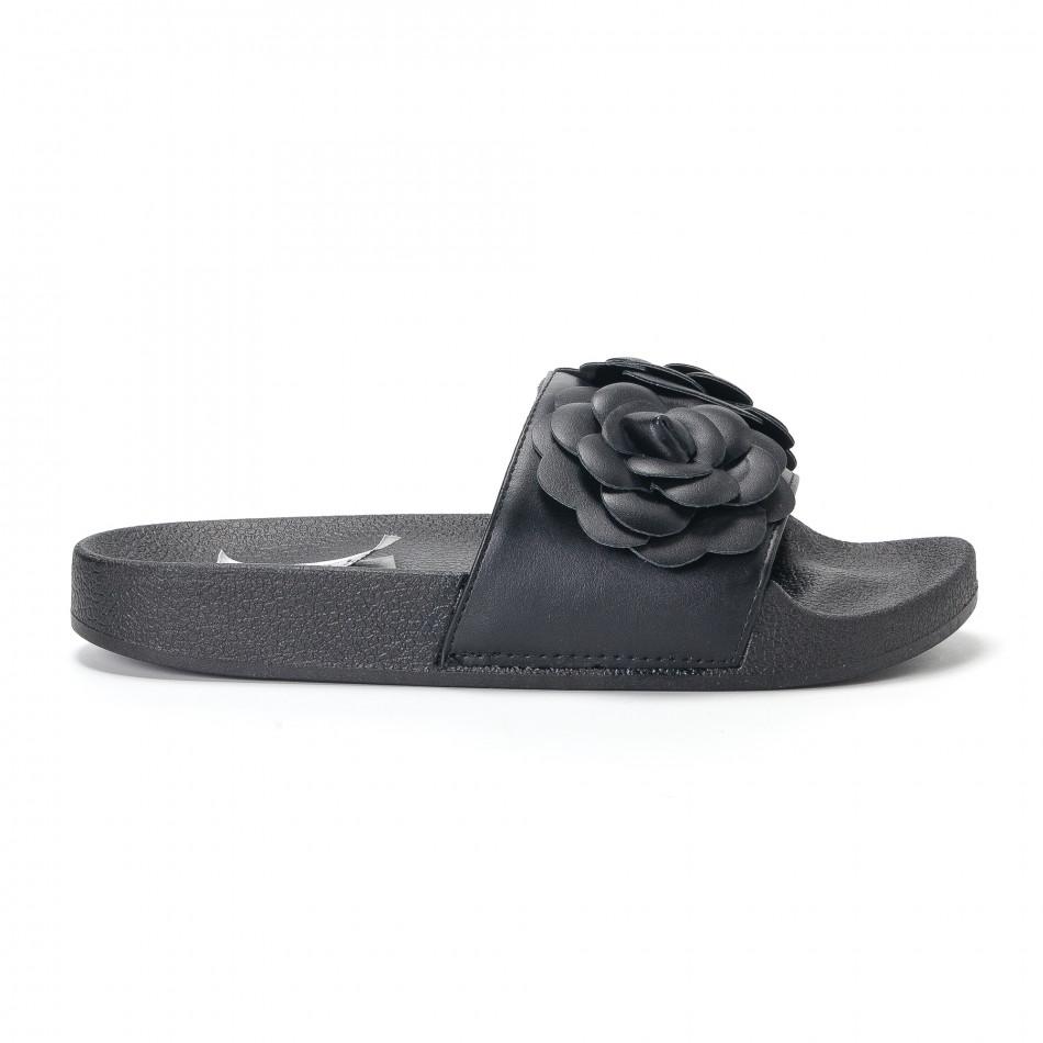 Γυναικείες μαύρες παντόφλες με διακοσμητικά λουλούδια it230418-21