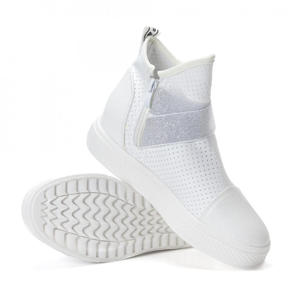 221138519dd Γυναικεία λευκά ψηλά sneakers από συνδυασμό υφασμάτων με ασημένια  διασκομητικά ...