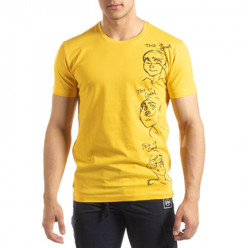 Ανδρική κίτρινη κοντομάνικη μπλούζα με πριντ it150419-56