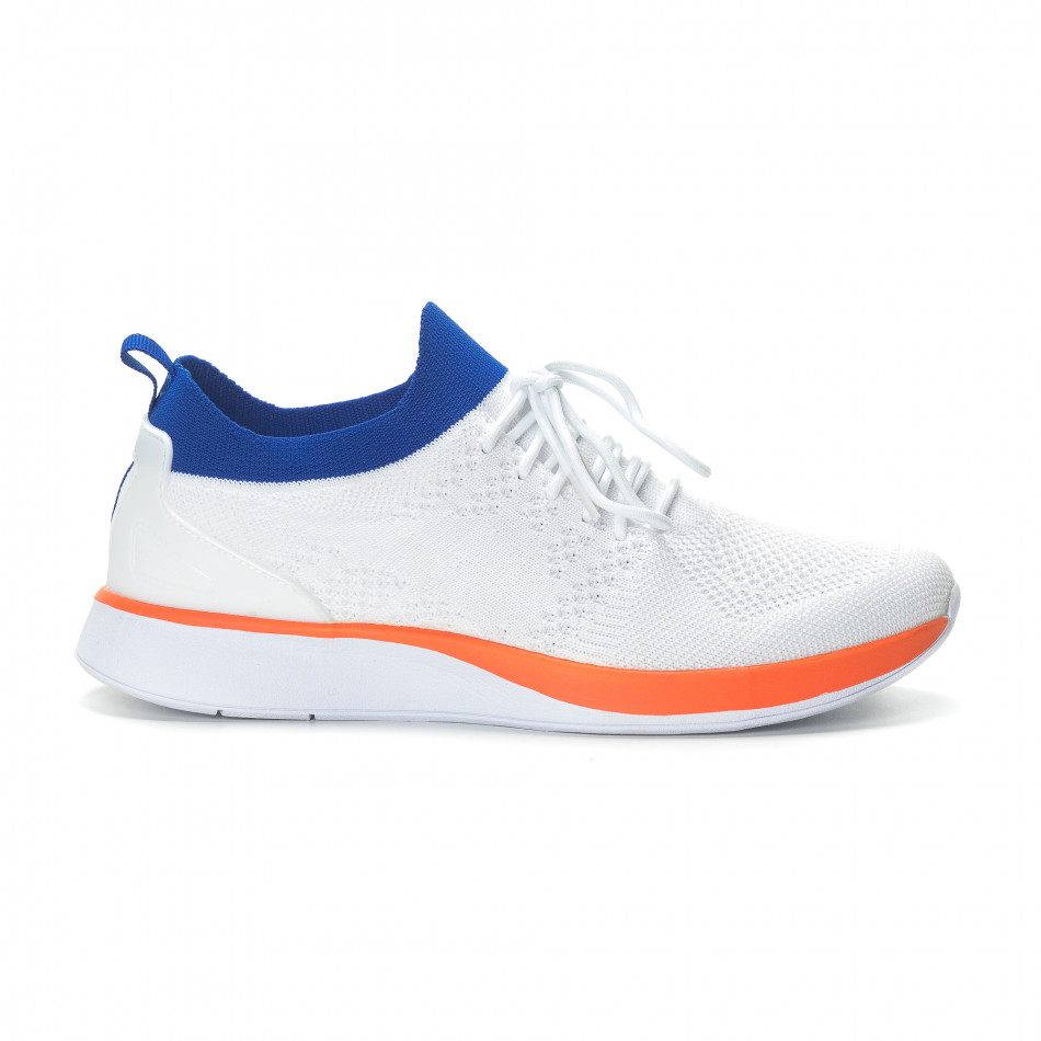 Ανδρικά λευκά αθλητικά παπούτσια με λεπτομέρειες σε μπλε και πορτοκαλί it190219-4