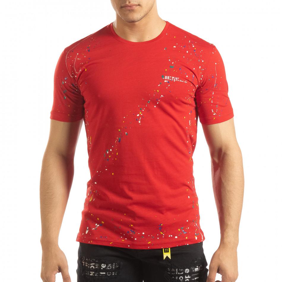 Ανδρική κόκκινη κοντομάνικη μπλούζα με διακοσμητικές πιτσιλιές μπογιάς it150419-90