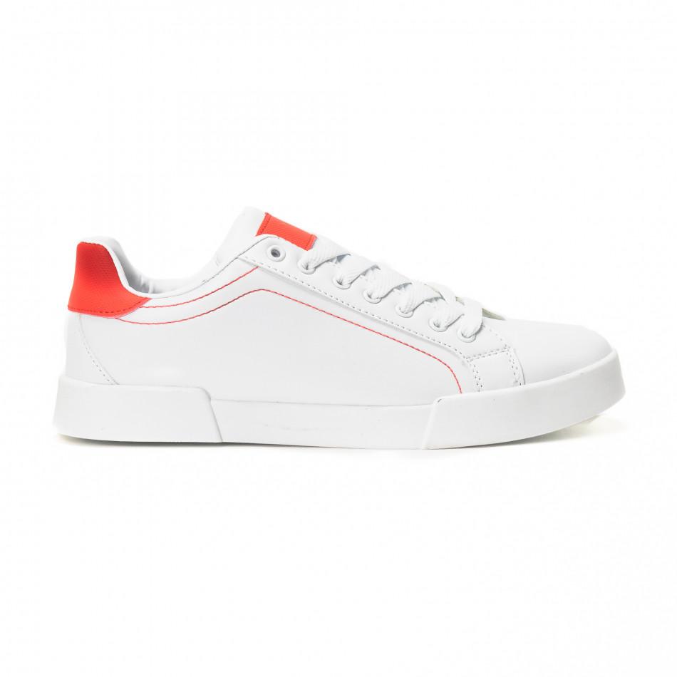 Ανδρικά λευκά Basic sneakers με κόκκινες λεπτομέρειες it150818-23