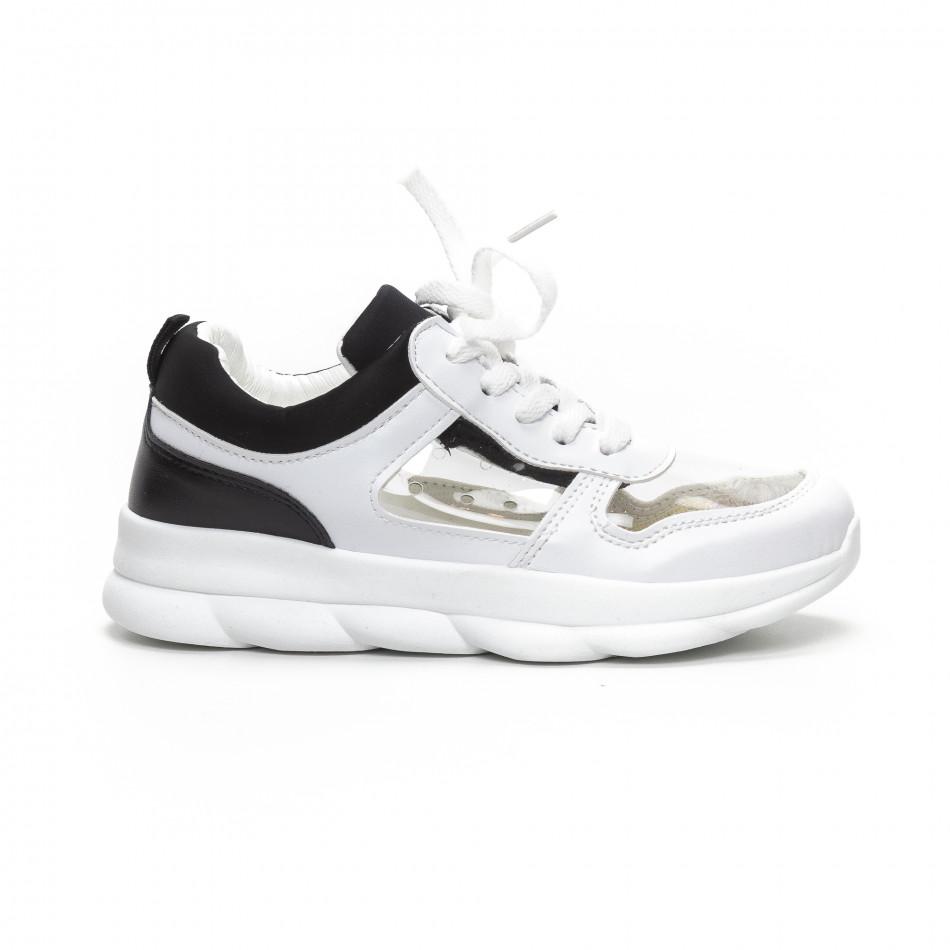 Γυναικεία αθλητικά παπούτσια με διαφάνιες σε λευκό και μαύρο it240419-56