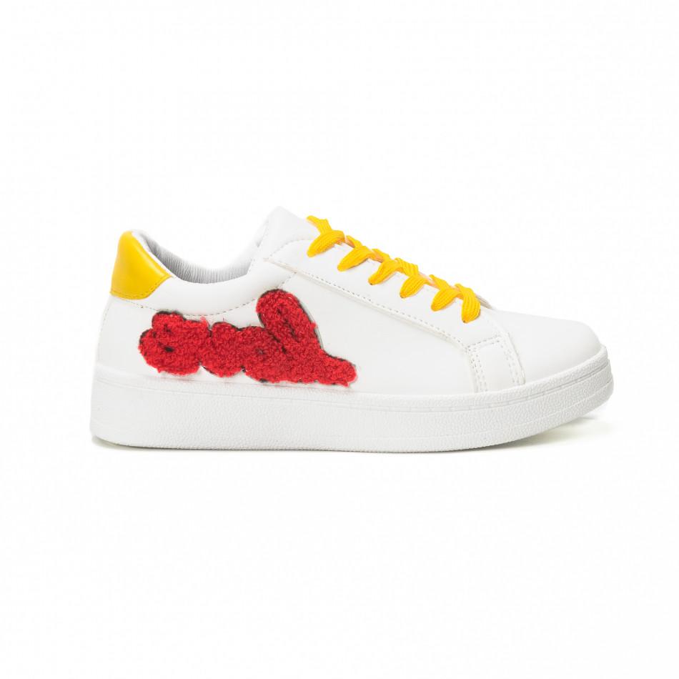 Γυναικεία λευκά sneakers με κίτρινα κορδόνια και κόκκινες λεπτομέρειες it150818-60