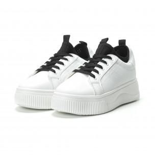 Γυναικεία λευκά sneakers με διακοσμητικό καλτσάκι  2