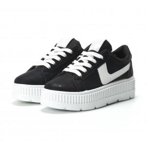 Γυναικεία μαύρα sneakers με πλατφόρμα και λευκή λεπτομέρεια  2