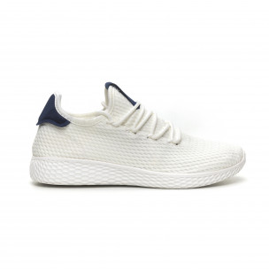 Ανδρικά λευκά αθλητικά παπούτσια με μπλέ λεπτομέρεια ελαφρύ μοντέλο