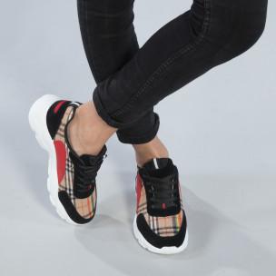 Γυναικεία μαύρα sneakers με καρέ διακόσμηση