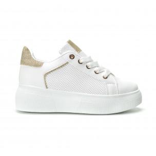 Γυναικεία λευκά sneakers με λεπτομέρειες από χρυσόσκονη
