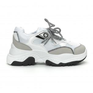 Γυναικεία αθλητικά παπούτσια σε λευκό και γκρι χρώμα