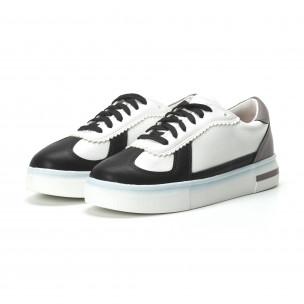 Γυναικεία λευκά sneakers με μαύρες- μπεζ λεπτομέρειες 2