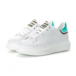 Γυναικεία λευκά sneakers με animal μοτίβα  2