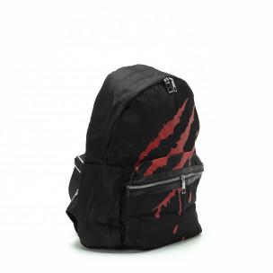 Μαύρη τσάντα πλάτης με κόκκινη στάμπα 2