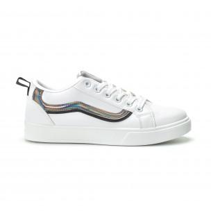 Γυναικεία λευκά sneakers με γυαλιστερή λεπτομέρεια