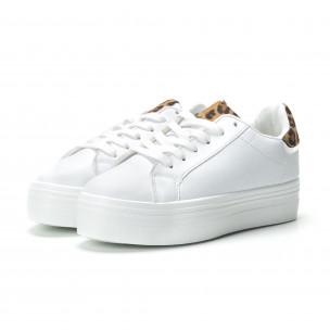 Γυναικεία λευκά sneakers με πλατφόρμα και διακοσμητικό πριντ  2