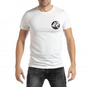 Ανδρική λευκή κοντομάνικη μπλούζα με ανατολίτικο μοτίβο