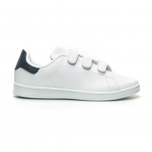 Ανδρικά λευκά sneakers με μπλε λεπτομέρεια και αυτοκόλλητα