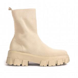 Γυναικεία μπεζ μποτάκια κάλτσα