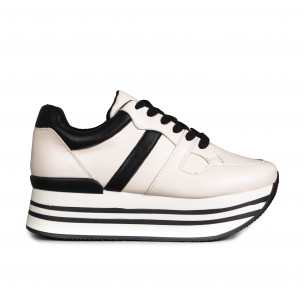 Γυναικεία λευκά sneakers με πλατφόρμα